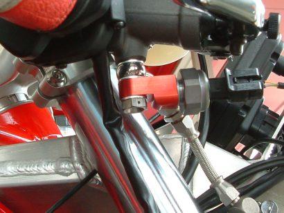 フロントのブレーキ圧センサー