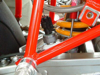 リアのブレーキ圧センサー